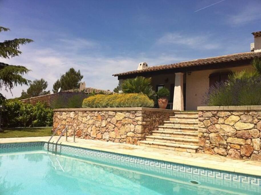 Piscine privée / private swimming pool