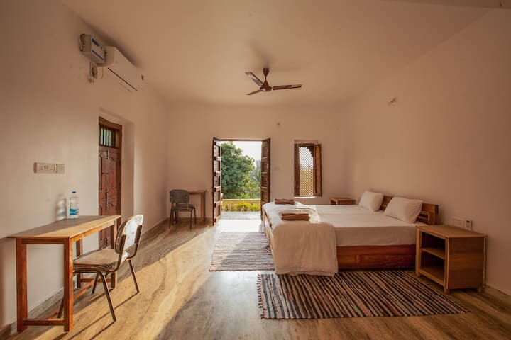 Spacious studio with mini kitchen in Agonda beach