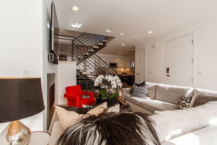 Main Floor Living/Kitchen
