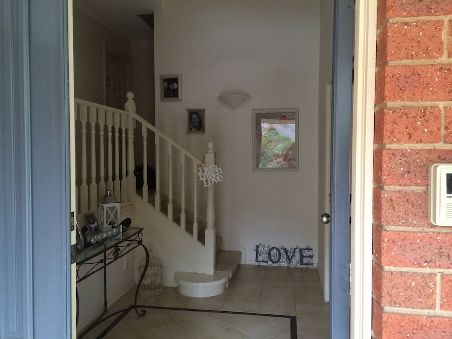 Front entry/foyer