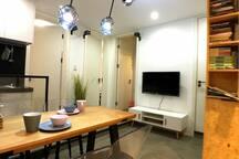 厨房、餐厅、客厅