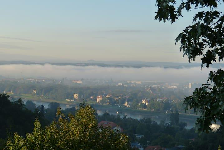 Beste Aussicht im schönsten Viertel von Dresden - Dresde - Villa