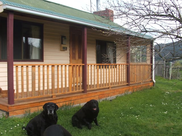 The Cottage Ranelagh Huonvalley