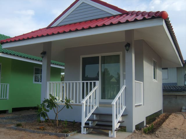 Particulier loue Bungalow  Isaan - Bua Yai