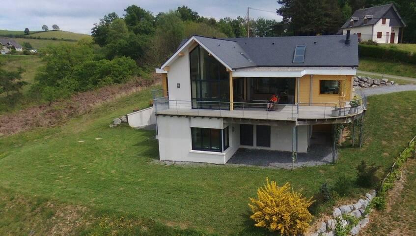 Grande maison tout confort aux pieds des Pyrénées - Lanne-en-Barétous - House