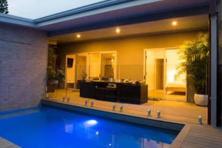 Sols Place // Boutique Pool Villa 2 - Kalbarri