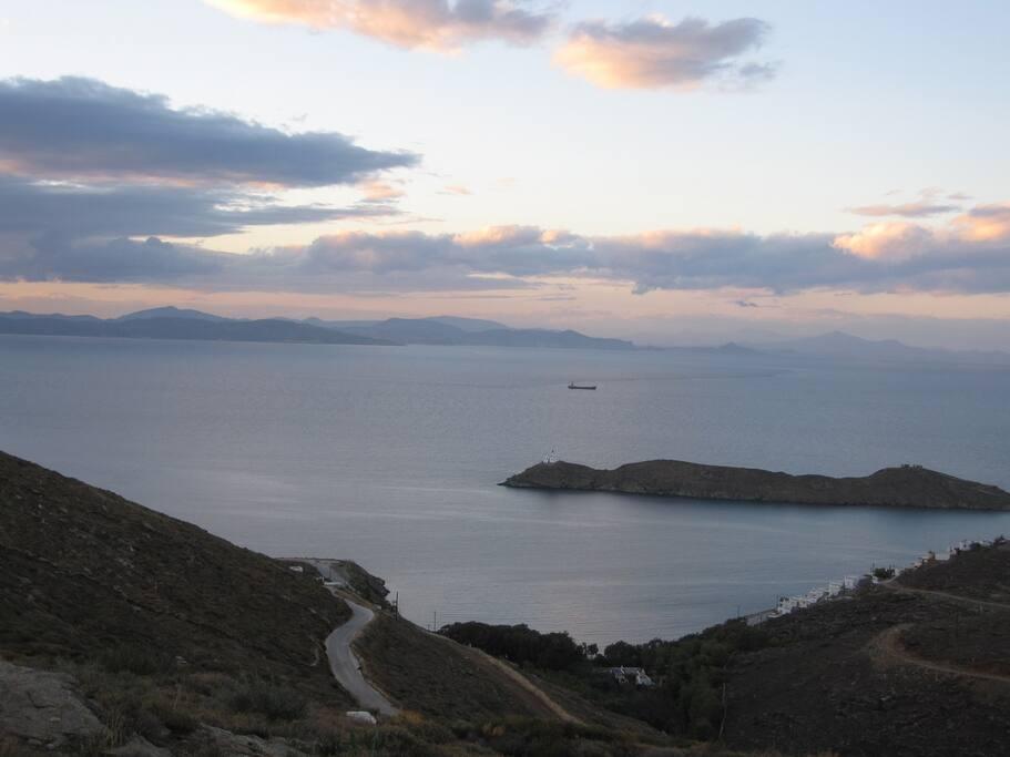 θέα προς την θάλασσα - φάρος Γυαλισκάρι---  sea view from terraces and verandas