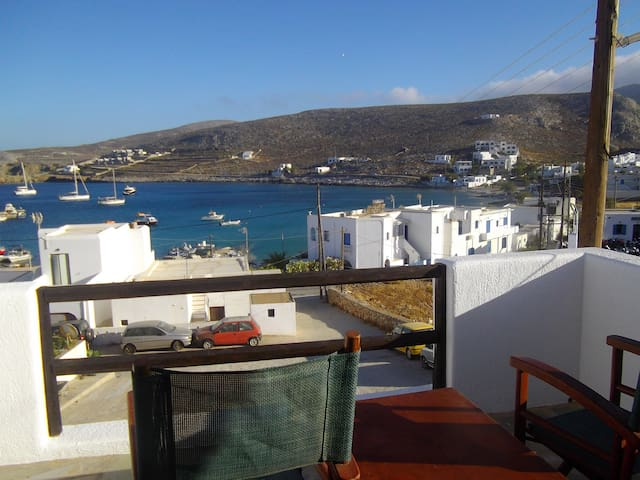 A M O studios...welcome home. - Folegandros - Apartament