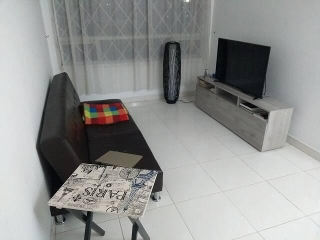 Cómoda habitación al norte de Bogotá