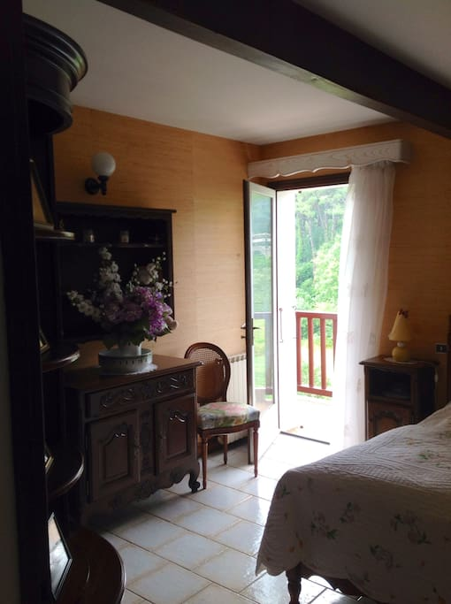 chambre d 39 h te biarritz bed and breakfasts for rent in biarritz aquitaine france. Black Bedroom Furniture Sets. Home Design Ideas