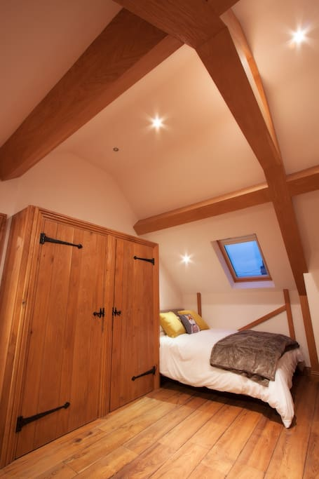 Bedroom with kingsize bed. A cot bed is available for this room if you pre-book (free).