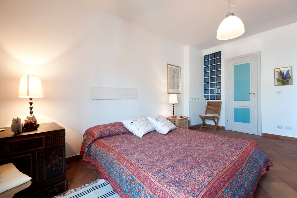 Schlafzimmer Mittelgeschoss — Middle floor bedroom
