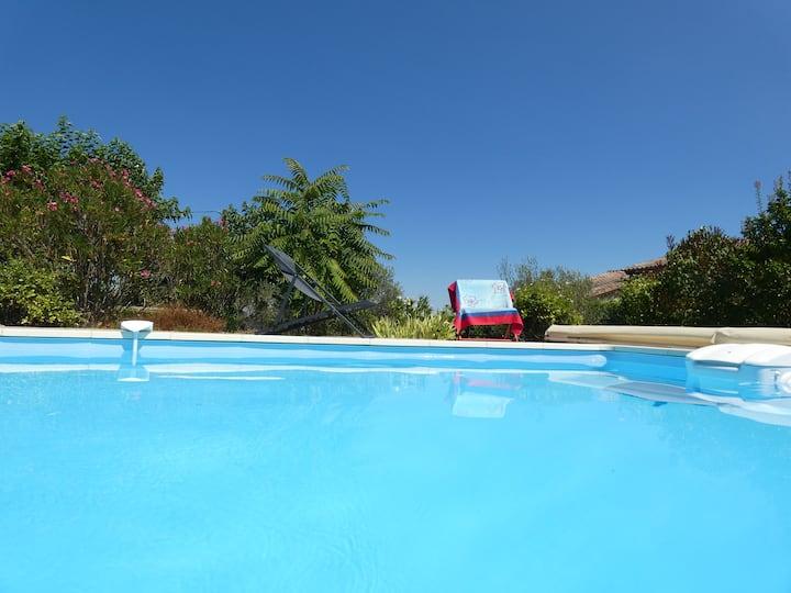 Au 385 - Maison avec piscine