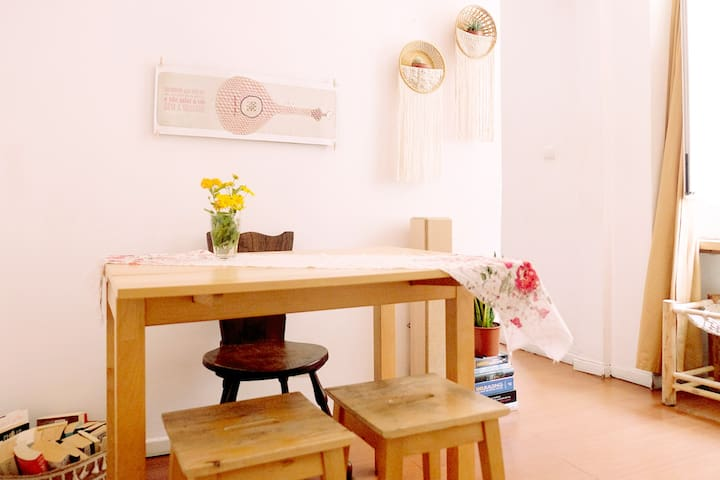 ★ Charming boho Bairro Alto flat. Walk everywhere!