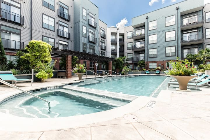 NEW Deep Ellum luxury Condo walk to it all! #2