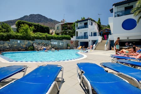 MIka Villas Apartment for 4 - Chersonisos - Bed & Breakfast