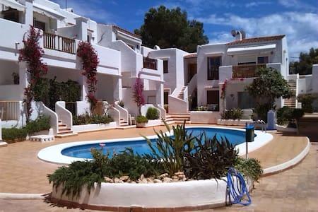 IBIZA  Apartamento con playa a 100m - Santa Eulària des Riu