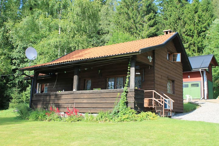 Quiet and lovely place near lake - Filipstad - Huis