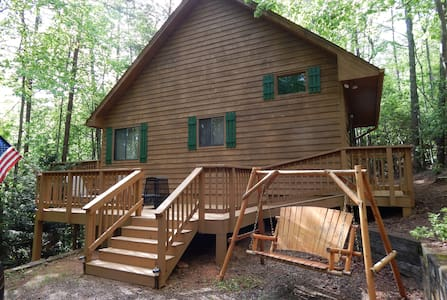 Mtn. Fever Cabin - 2Bd/2Ba with Hot Tub & Wifi