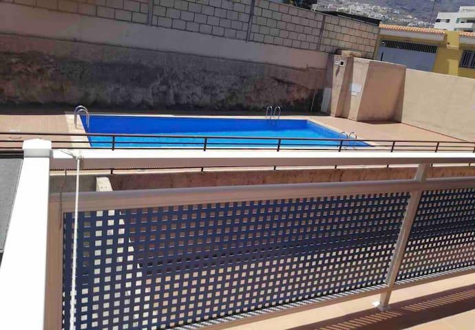 Apartamento con parking! piscina no disponible