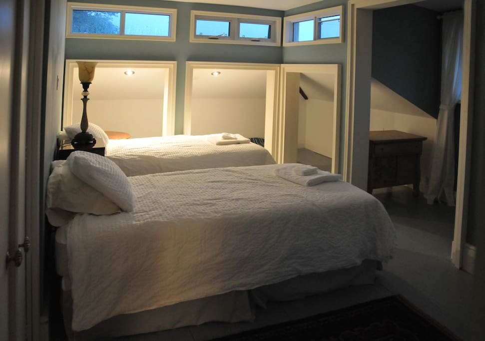 picton chat rooms Find places to stay in picton on airbnb discover entire homes and private rooms perfect for any trip where  had a little chat with megan and she is nice and .