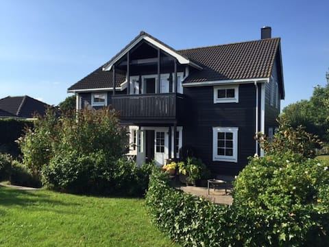 ORGANICA. Close to Aarhus. Breakfast included.