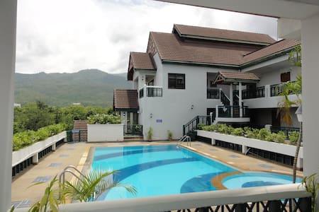 Nice Pool Condo w/ Fitness Room - Chiang Mai