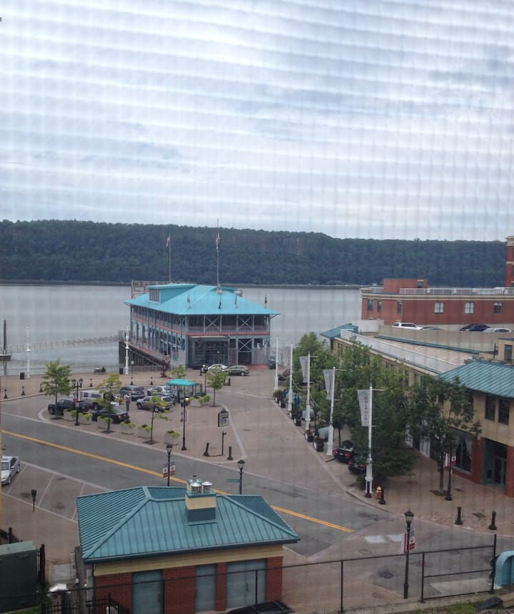 Expansive Luxury Loft Hudson River