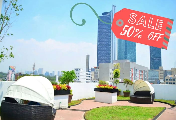 ⚡50% OFF! LACONDESA New Apt- Top Location