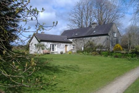 Traditional heritage farm house - Campile New Ross