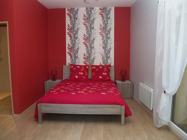 CHAMBRE GROSEILLE - Rezonville - Bed & Breakfast