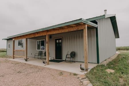 Private East River Lodge, Near Mitchell, Sleeps 12