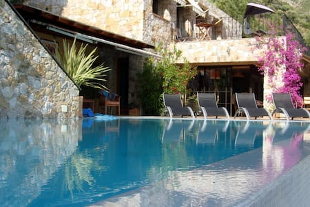 Calvi -Luxury villa 8p with sw.pool - カルビ