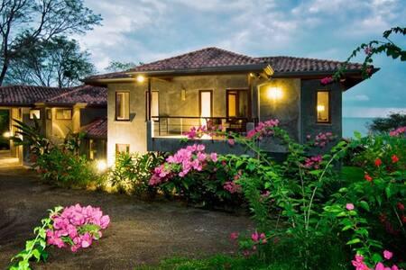 Ventanas Villa: 111515