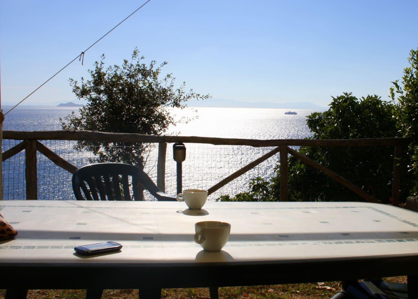 la terrazza a picco sul mare