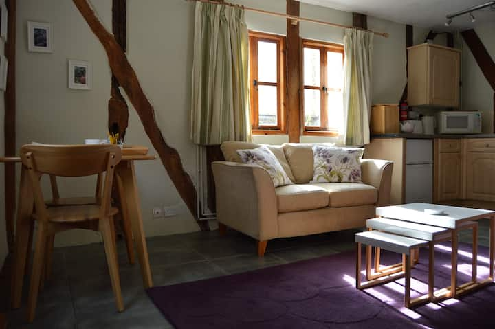 Willow Cottage, Nr Cradley, Malvern WR13 5JR