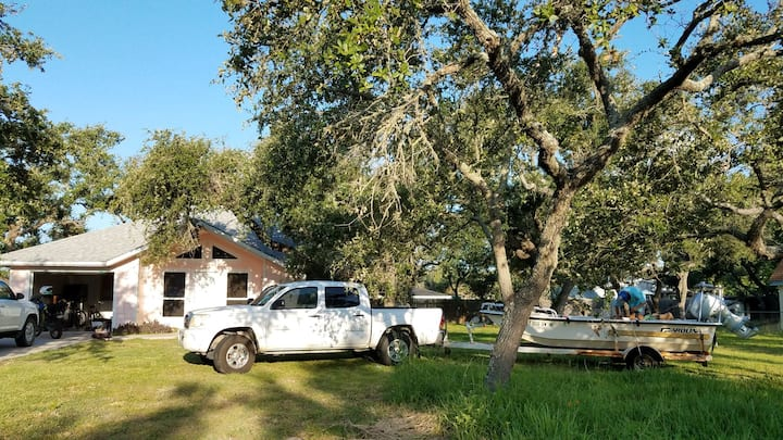 Private, Historic Downtown, Pull in Boat Parking