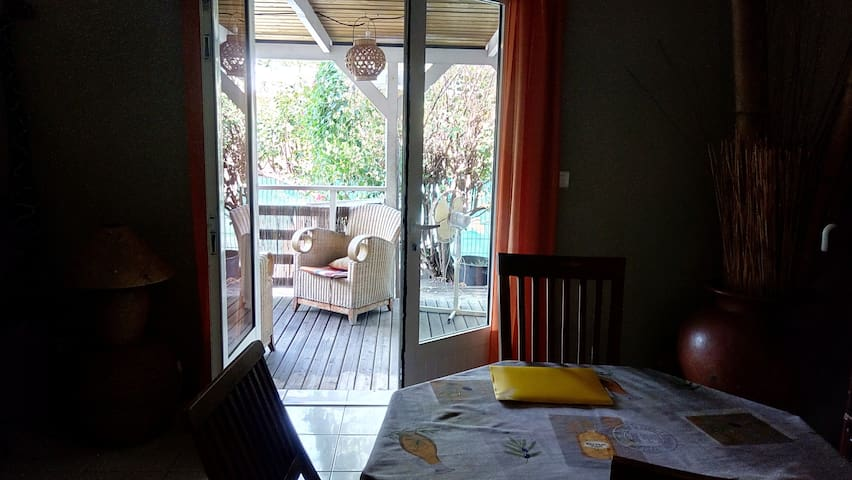 appartement zen Plein Pied 1 min du lagon