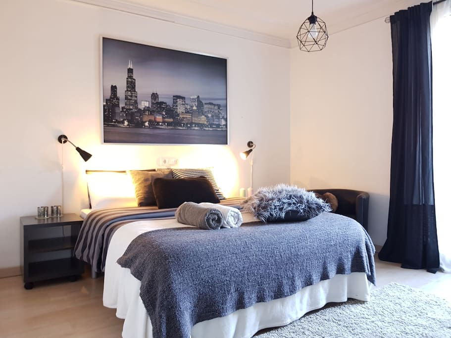 Big Sunny Room City Center Apartments For Rent In Barcelona Catalunya Spain
