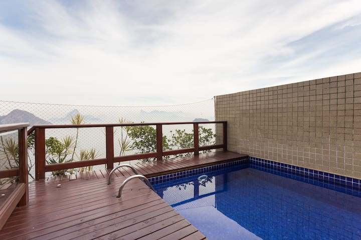 Amazing penthouse/ICARAI BEACH/POOL view Rio