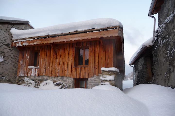 Charmant gîte de montagne - Orelle - House
