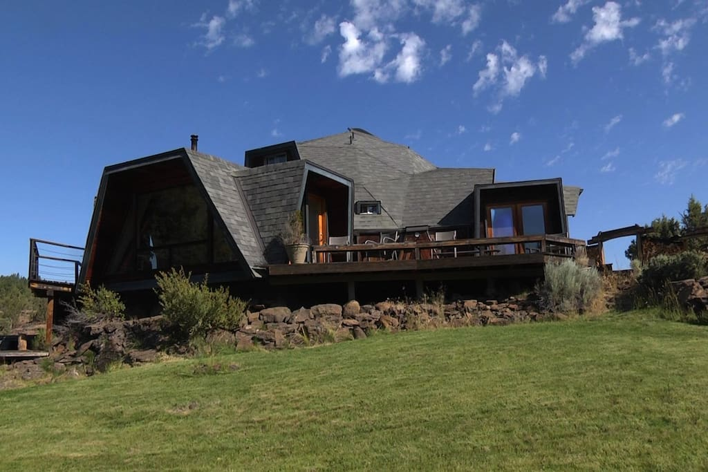 Moon Ridge Geodesic Dome Home On 5 Acres Sisters Houses For Rent In Sisters Oregon United