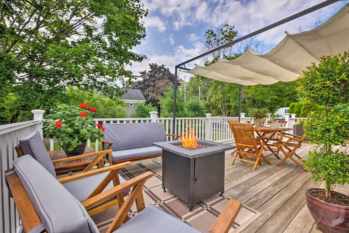 Rockland Home w/ Deck 5 Mins to Historic Downtown!