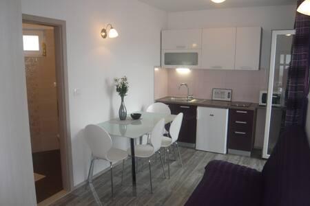 Apartment Petra&Lovre/Omis,Stanici - Stanići - Apartemen