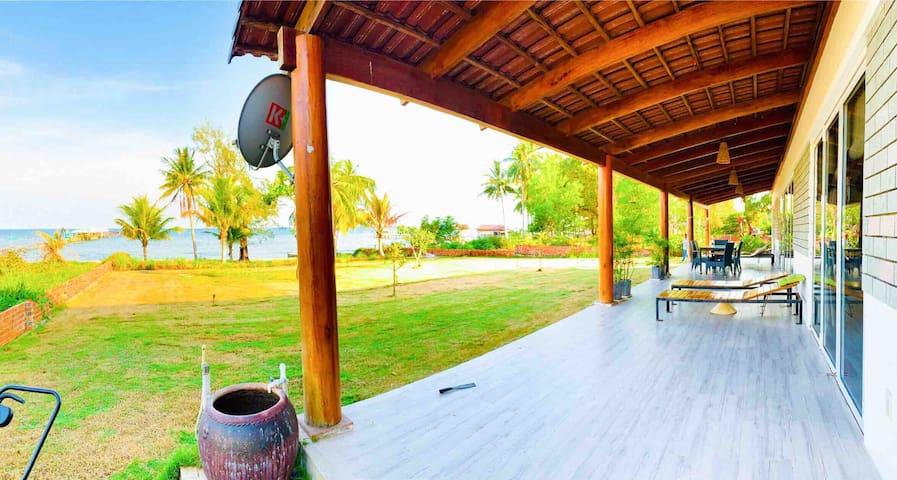 Lotus Home+, Sunrise Villa with Seaview (3BR)