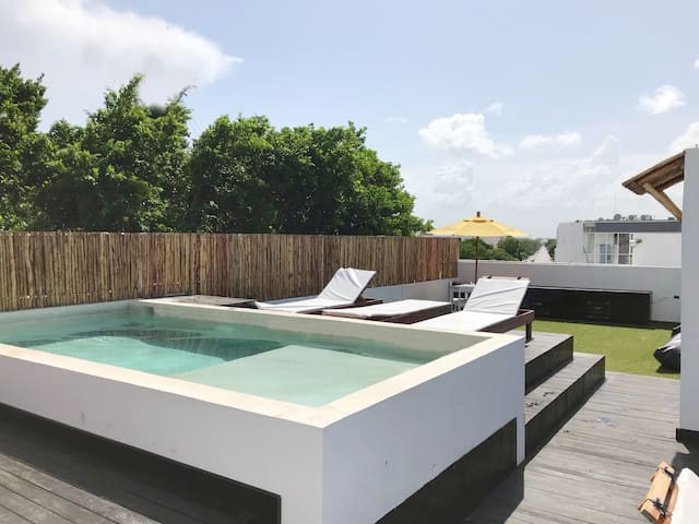 Triple Private Suite. Playacar Phase 1  Great spot