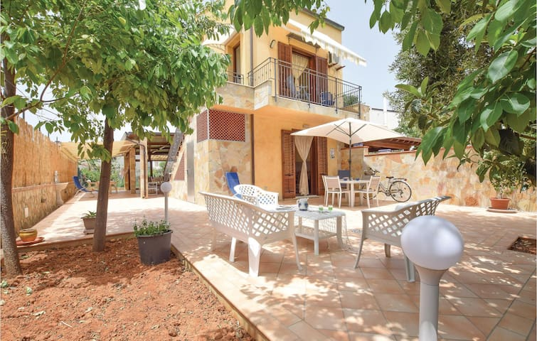 Semi-Detached with 2 bedrooms on 60m² in San Nicola l'Arena