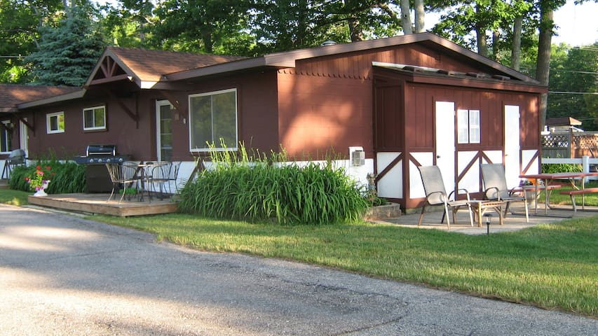 Lake Huron-clean-spacious-Oscoda! - Oscoda Township - Cabaña
