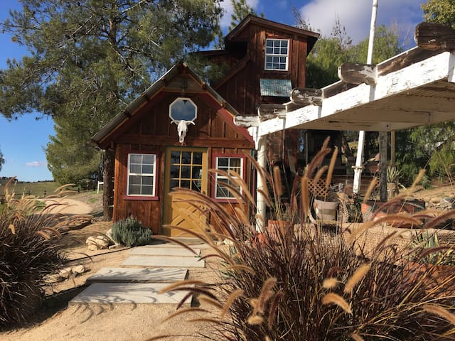 ~Coyote Ridge Tiny House~ - Paso Robles
