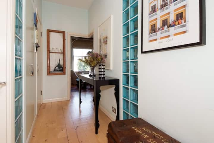 Charming Notting Hill 2BR w/ garden